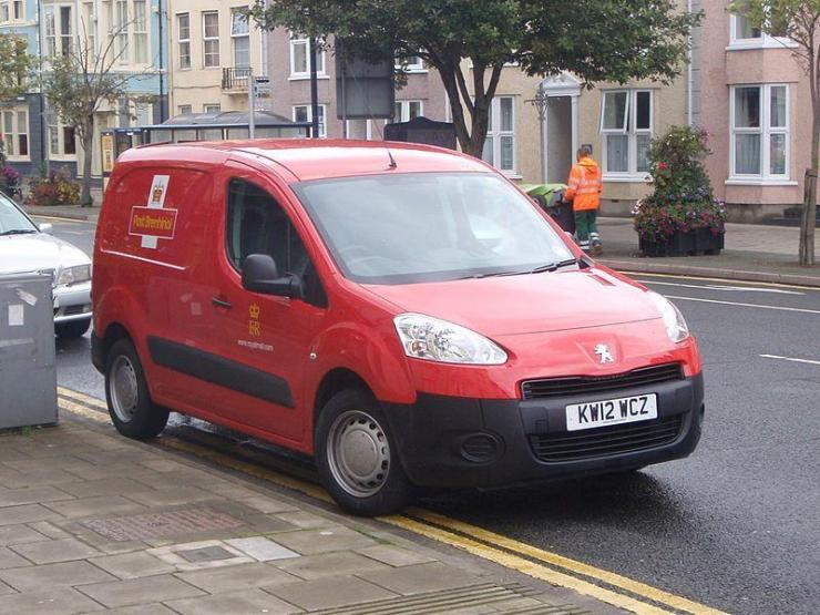 Peugeot Partner electric minivan delivers the Royal Mail.